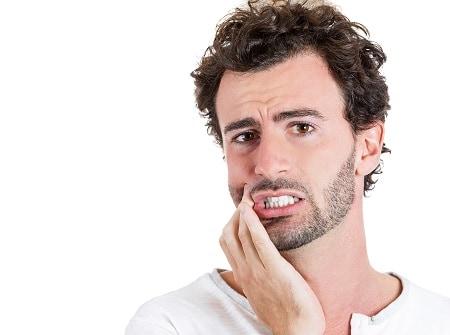 כמה זמן אורך טיפול השתלת שיניים? מתי אוכל לחייך בפה מלא?