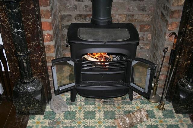 מה חשוב שנדע בבחירת תנור עצים