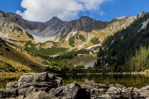 רכסי הרים מדהימים ברחבי העולם